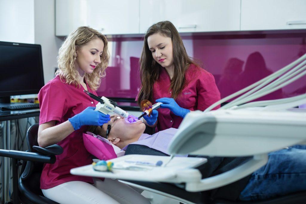 A88A0280 5 Prywatny stomatolog Jarosław | kompleksowe leczenie zębów | Implanty zębów