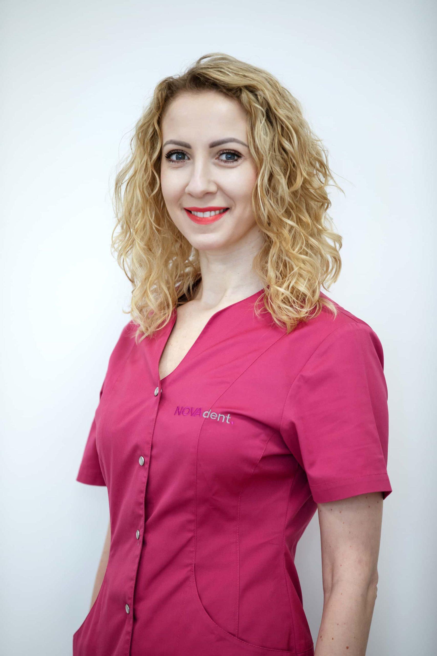 a88a0165 2 scaled Prywatny stomatolog Jarosław | kompleksowe leczenie zębów | Implanty zębów